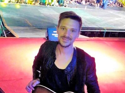 Artist in concert stage